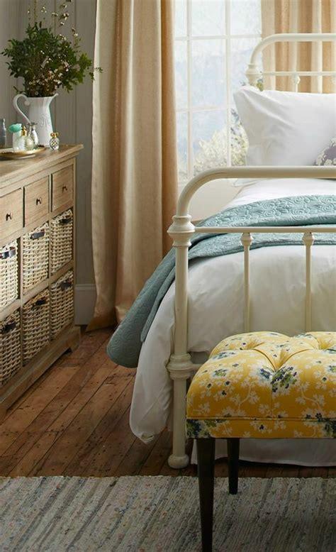 vorhänge rustikal landhausstil schlafzimmer klein