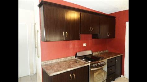 cocina de pvc clasica color chocolate  moldura tipo corona de pvc youtube