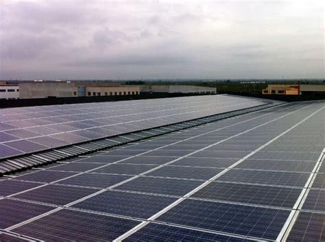 coperture capannoni industriali copertura capannoni fotovoltaico tetto solare a falda evonat