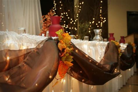 fall table decorations for wedding receptions rustic brown white centerpieces fall indoor reception