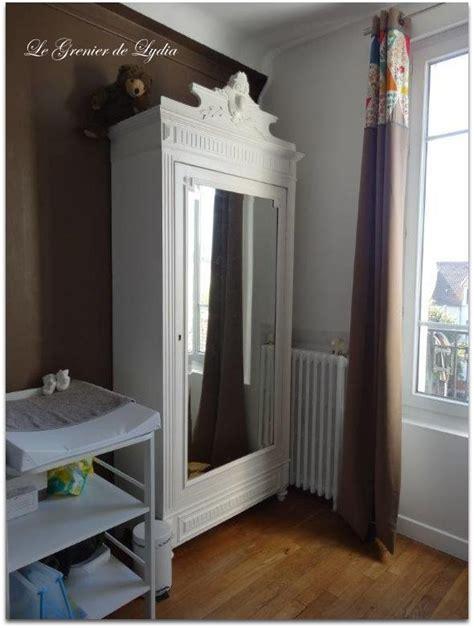 Beautiful Chambre Rouge Et Blanc Deco #10: Ob_2c9173_armoire-a-fronton-patinee-le-grenier.jpg