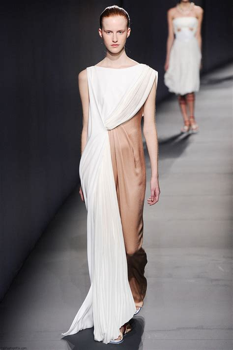 A Fashionable by Vionnet Summer 2015 Collection Fashion Week