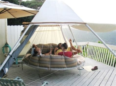 hanging patio bed 39 relaxing outdoor hanging beds for your home digsdigs