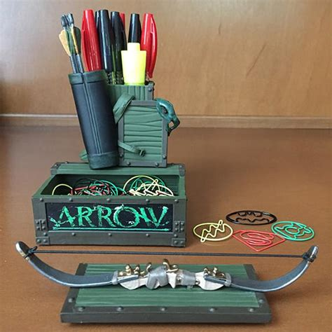 ultimate tattoo pen holder dc comics arrow tv pen and paper clip holder icon heroes