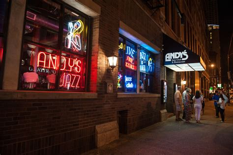 chicago swing clubs 13 best jazz clubs in chicago for a swinging night out