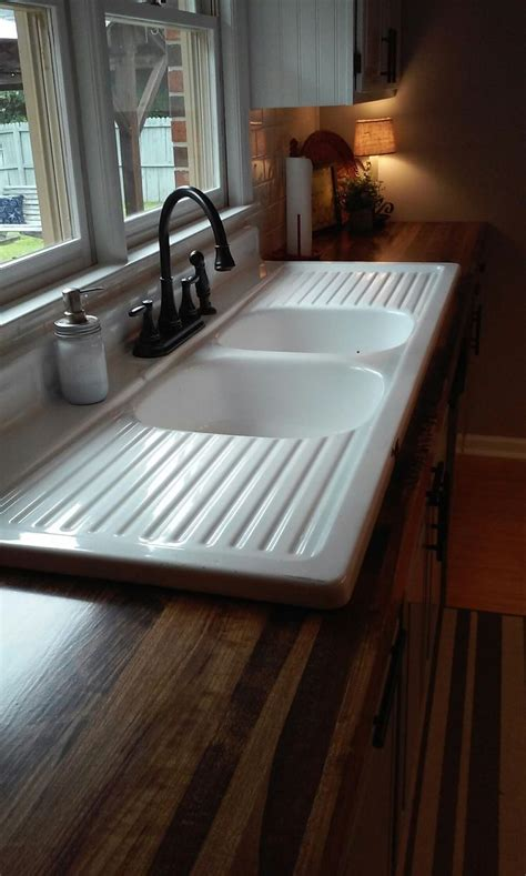 farmhouse with drainboard and backsplash best 25 old ideas on pinterest water for