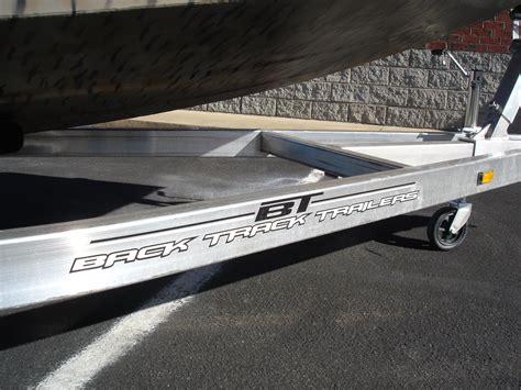 xpress duck hunting boat muddy bay xpress h18db duck boat