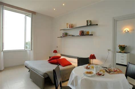 hotel le terrazze alassio vista panoramica sul solarium foto di residence le