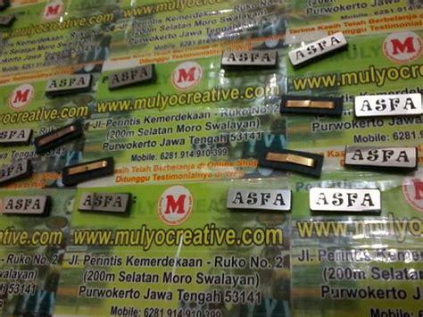 Jepitan Kayu Color pesan label merk tas logam pesan name tag lencana pin