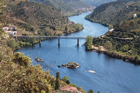 Fluss In Portugal by Alentejo Sommertage Am Fluss Sirenen Heuler