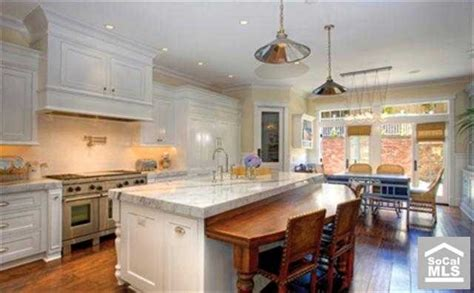 expandable kitchen island pin by julie meggers on cape cod home ideas