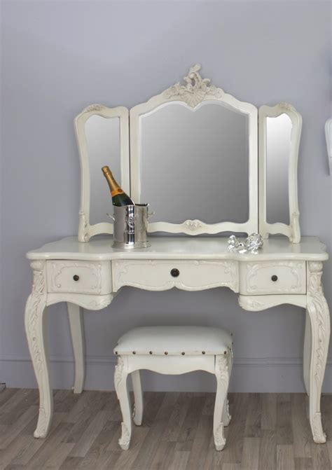 Vintage Vanity Table A Gorgeous Provincial Style Dressing Table Free Standing Three Fold Mirror And