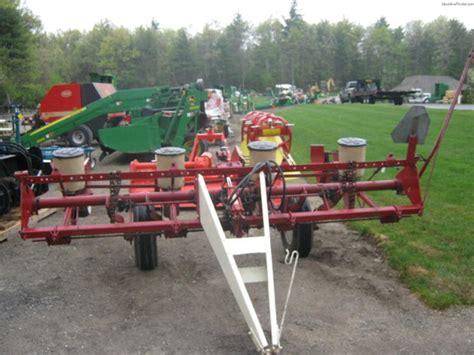 4 row corn planter international 4 row corn planter planting seeding planters deere machinefinder