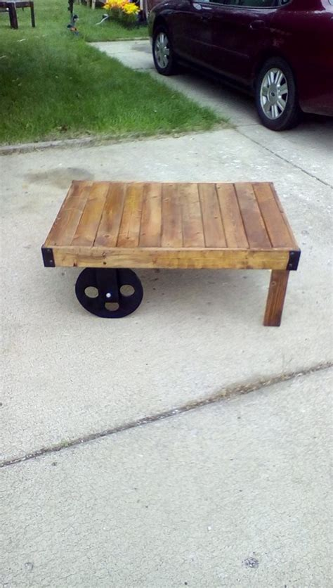 pallet table with wheels pallets coffee table with wheels pallet ideas recycled
