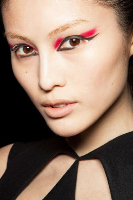 latest makeup beauty trends autumn winter 2012 13 vogue uk elle magazine fall 2012 beauty trends tommy beauty pro