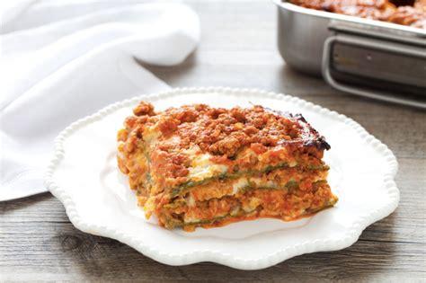 cucinare la lasagna ricetta lasagne alla bolognese cucchiaio d argento