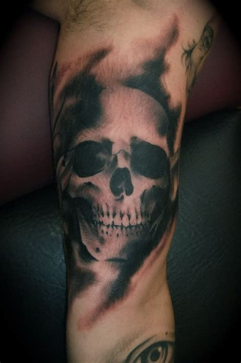 black and white skull tattoos black and white skull on bicep