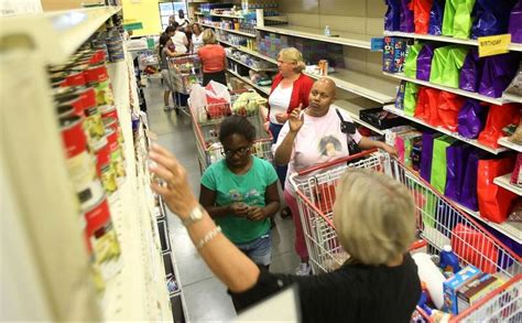 Food Pantry Naperville Il by Naperville Food Pantry Gets Donation To Boost Programs Dailyherald
