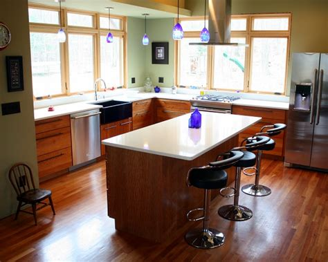 Updated Kitchens With Oak Cabinets 10 Kitchens That Aren T White