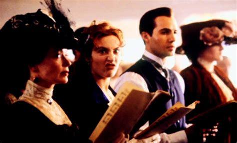 film titanic behind the scenes behind the scenes titanic photo 29026066 fanpop