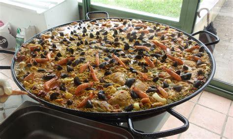 cuisiner une paella pa 234 lla recette traiteur paella g 233 ante maison repas de