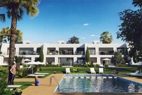 een huis kopen een huis kopen in spanje op plan waar moet ik op letten
