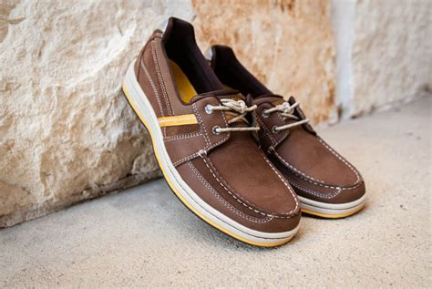 cool comfortable shoes the rockport weekend retreat 2 eye boat shoes are cool