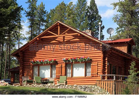 log cabin canada stock  log cabin canada stock images alamy