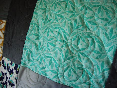 free motion quilting swirls and circles quilt addicts free motion quilting swirls and circles quilt addicts