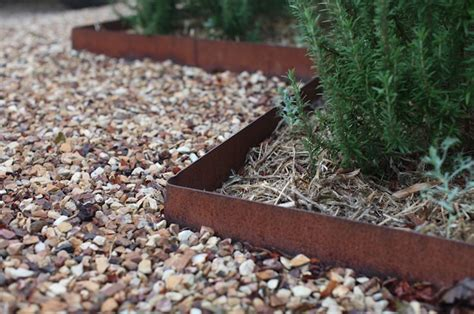 Landscape Edging Gravel Hardscaping 101 Metal Landscape Edging Gardenista