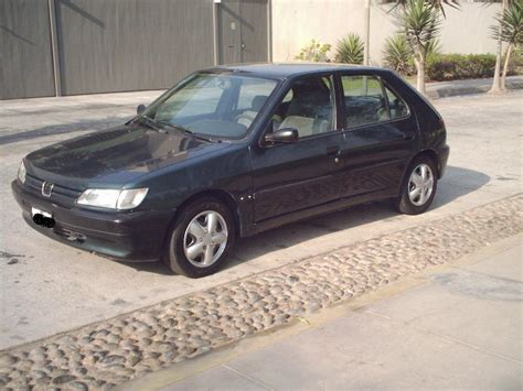 peugeot hatchback cars 1995 peugeot 306 hatchback pictures information and