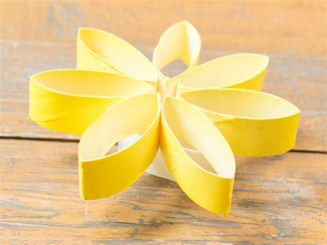 How To Make A Flower Using Paper - 3 ways to make flowers made of toilet paper wikihow