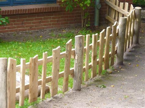 Garten Zaun by The 25 Best Ideas About Gartenzaun Holz On Z 228 Une Holz Gartenhecken And Sichtschutz