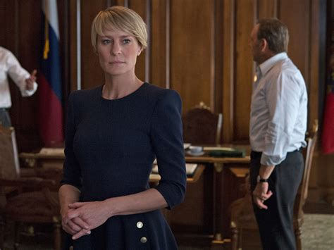 robin wright claire underwood robin wright best robin wright haircut house of cards the impeccable style of claire underwood