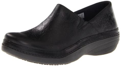 comfortable shoes for waitressing best shoes for waiters comfort footwear guide