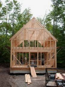 Half Hip Roof Design 1 1 2 Story 20x34 Cabin