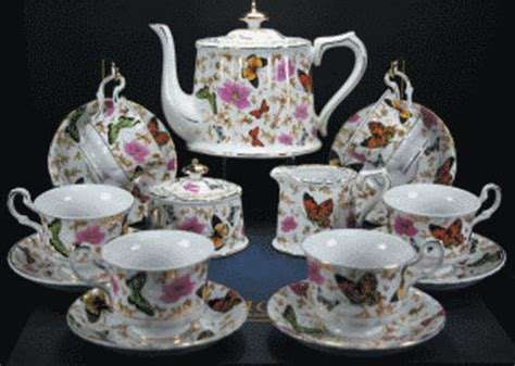 Vintage & Memories   Porcelain Tea Set & More