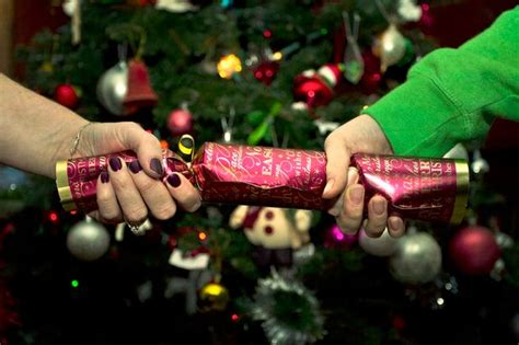 christmas crackers sales in uk top crackers for 2016 filled with make up and treats from l occitane