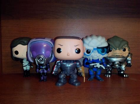 funko pop mass effect vinyl figure обзор mass effect