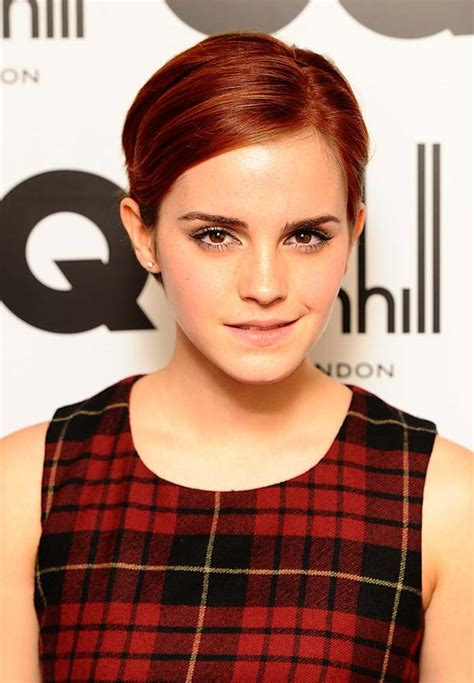 emma watson red hair selena gomez dyes her hair red and joins celeb hair trend