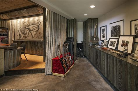Jeff Bridges Home by Jeff Bridges Lists His Montecito Villa For 29 5million