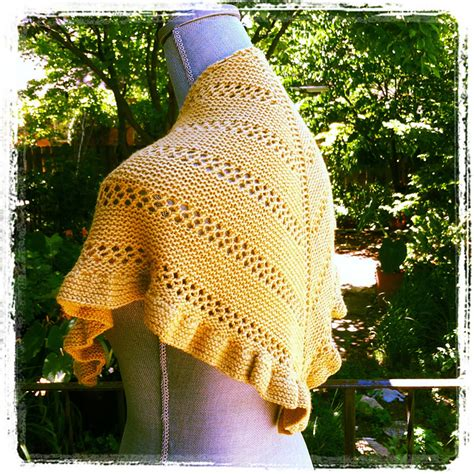 knit wit portland me piper s journey or another shawl i can t stop working on