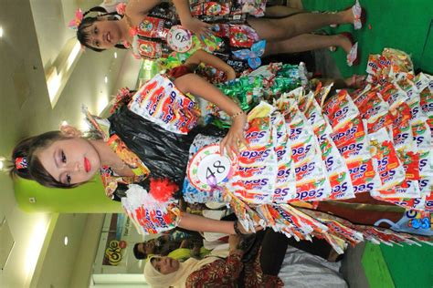 fashion show recycle herry fitrian
