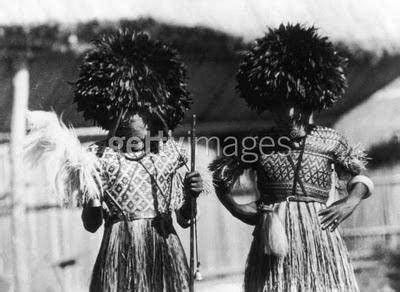 crea tu propio juju hat pompon plumas juju hats sombreros africanos en la decoraci 243 n paperblog
