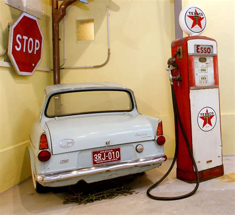 Deco Style Garage by D 233 Corations 224 Th 232 Me Style Fifties Sixties Seventies