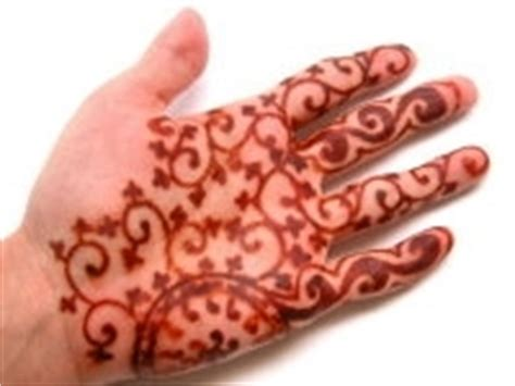 henna tattoo and chlorine henna 36 hours after henna application and
