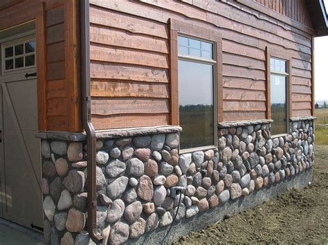houses with rock and siding 25 best ideas about cedar siding on pinterest exterior house lights wooden