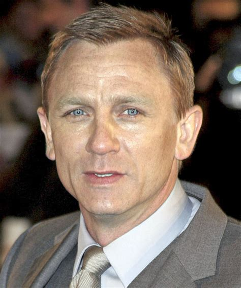 daniel craig hairstyles celebrity hairstyles by daniel craig haircut name and hair color celebrity