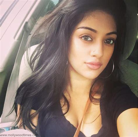 Mallu Actress Anu Emmanuel Hot N Sexy Personal Pics