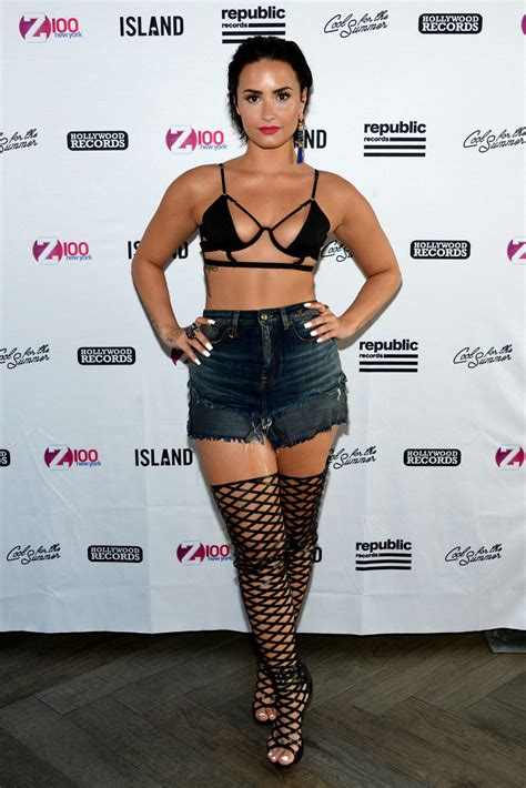 Demi Lovato Tiny Bikini Top Popsugar Latina